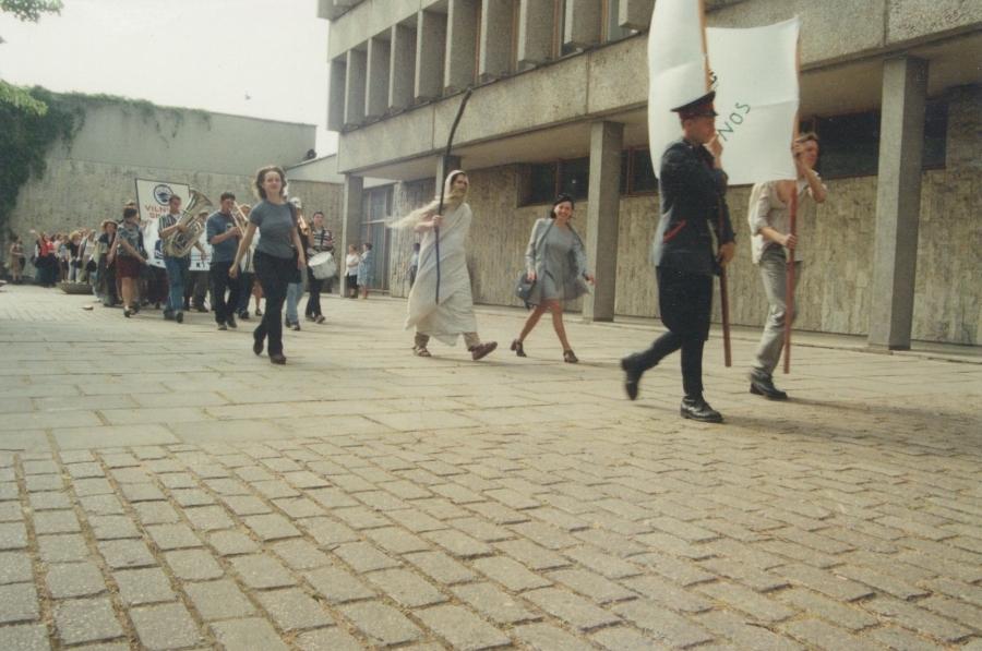 Būrys, žengte marš! Lituanistų dienos. 2000 m.