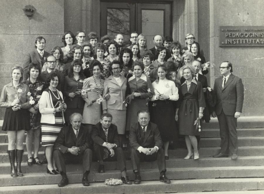 Pirmoji lituanistų pedagogų laida su dėstytojais. 1975 m. balandžio 10 d.