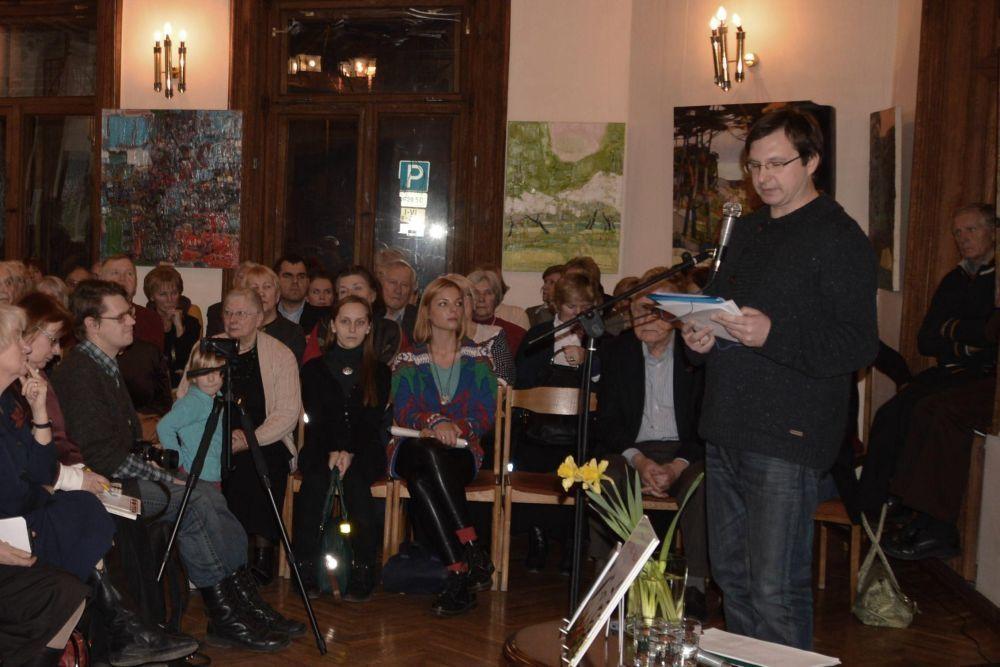 Apie rašytojos kūrybą kalbėjo poetas, literatas Antanas Šimkus