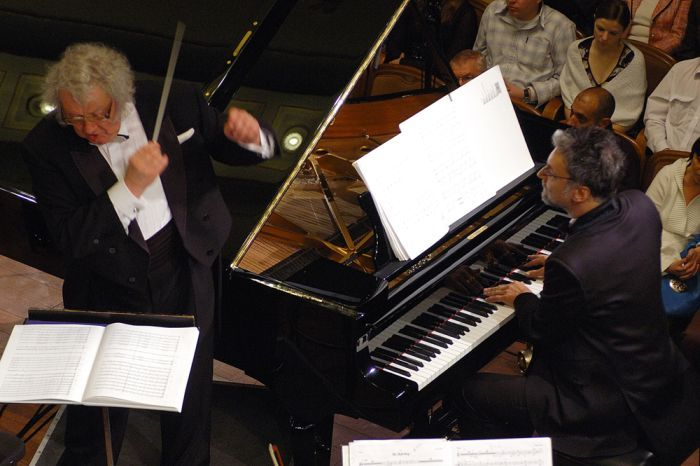 P. Geniušas ir J. Domarkas. Nacionalinė Filharmonija