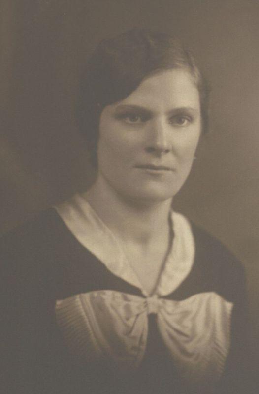 Broniaus motina Karolina Radzevičienė. Apie 1936 m.