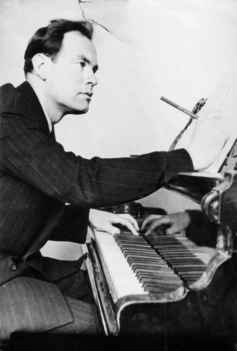 Julius Juzeliūnas Antrosios simfonijos kūrimo metu, 1949-ųjų gruodis.