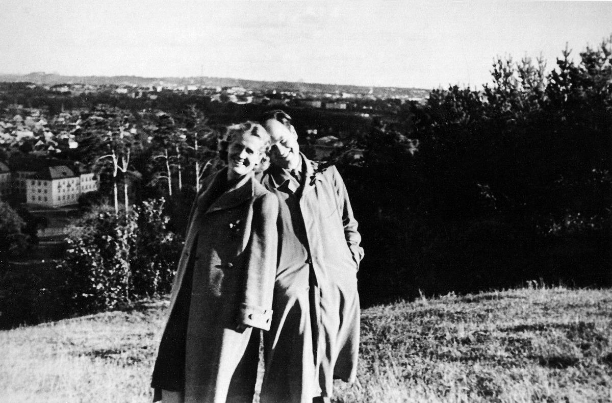 Julius Juzeliūnas su sužadėtine Danute Sprindyte, 1951 m.