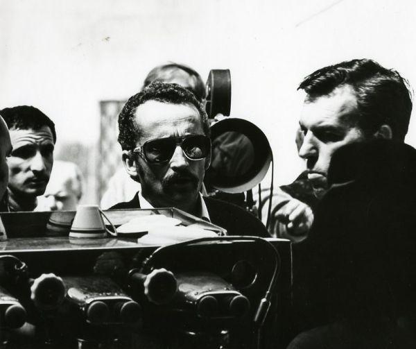 """Su kino režisieriumi V. Žalakevičiumi """"Tas saldus žodis – laisvė!"""" filmavimo metu. 1973 m., Jalta."""