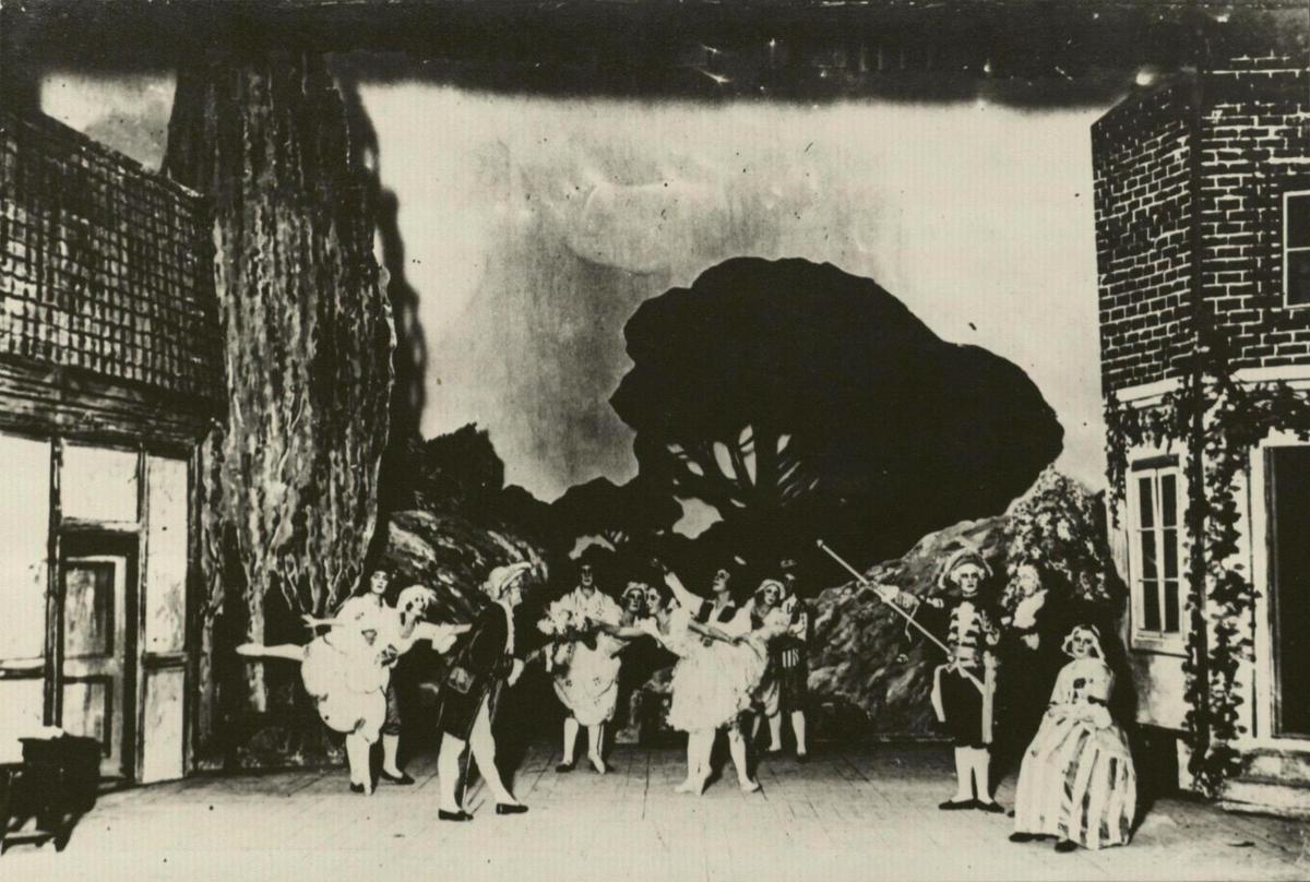 """Léo Delibes """"Kopelija"""" 1925 m. premjera I veiksmas"""