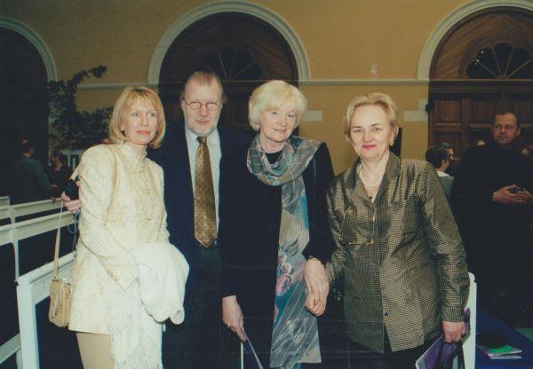 LR kultūros atašė Rusijoje J. Budraitis A. Puškino literatūros festivalio Maskvoje metu. 2001 m.