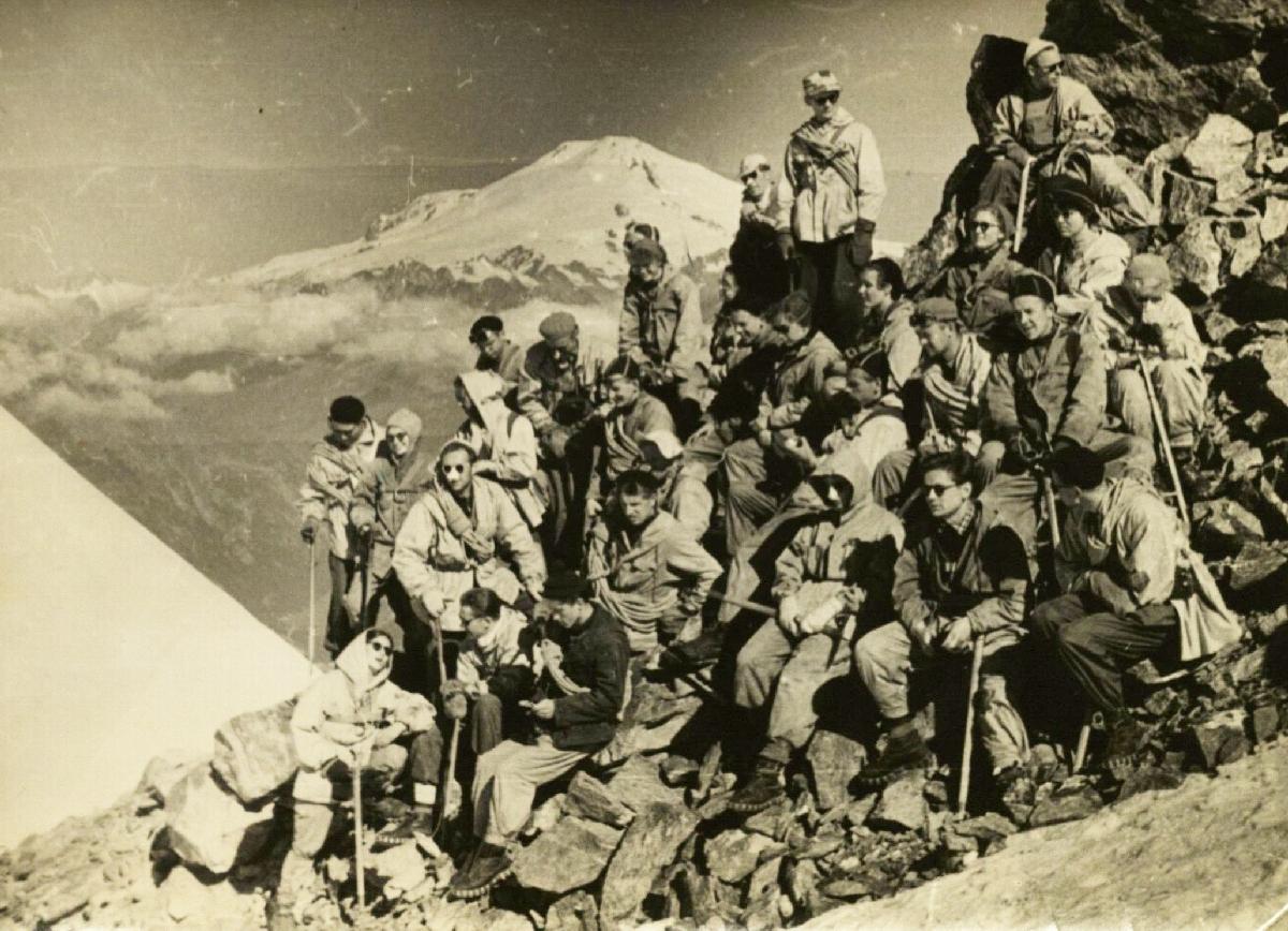 Elbruso nugalėtojai. 1958.
