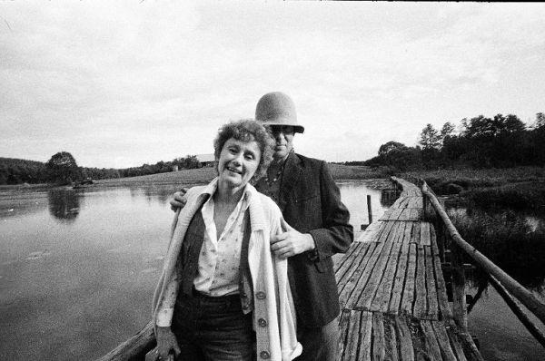 Su aktore R. Staliliūnaite. 1984 m., Veisiejai.