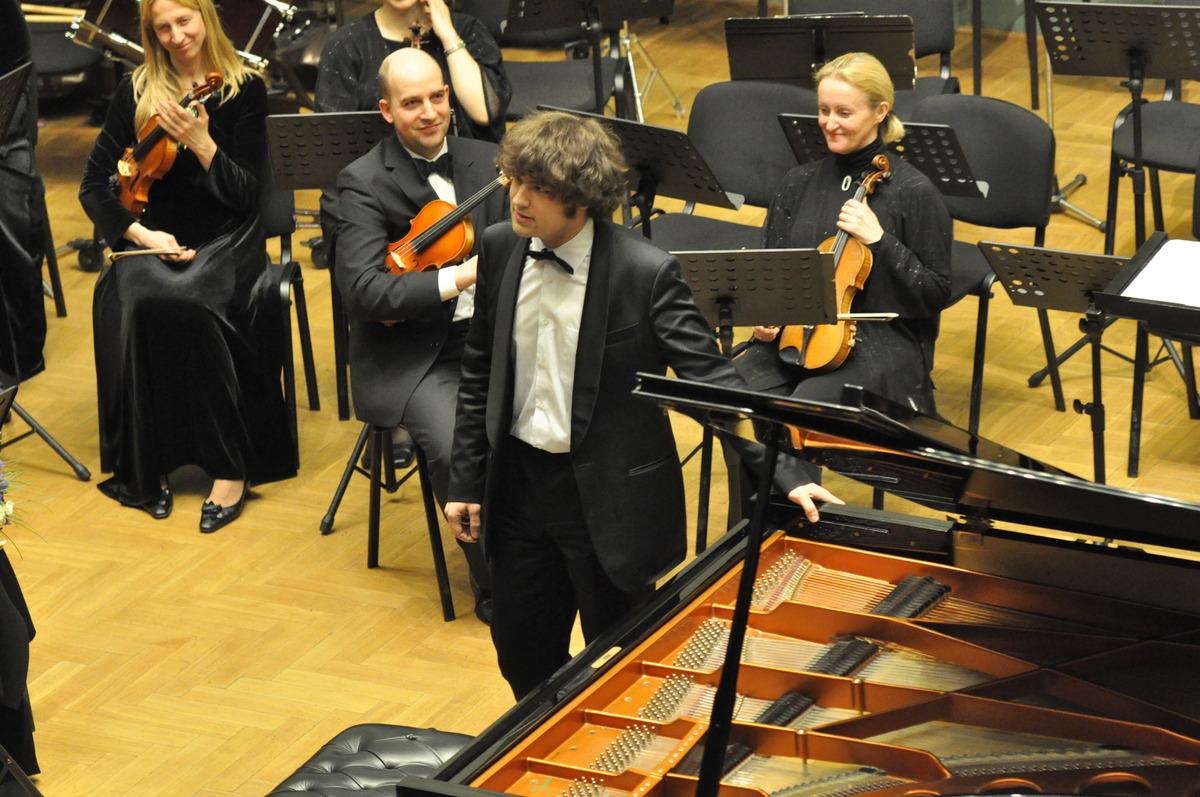 Lukas Geniušas. Lietuvos valstybinis simfoninis orkestras. Kauno filharmonija 2011 m.