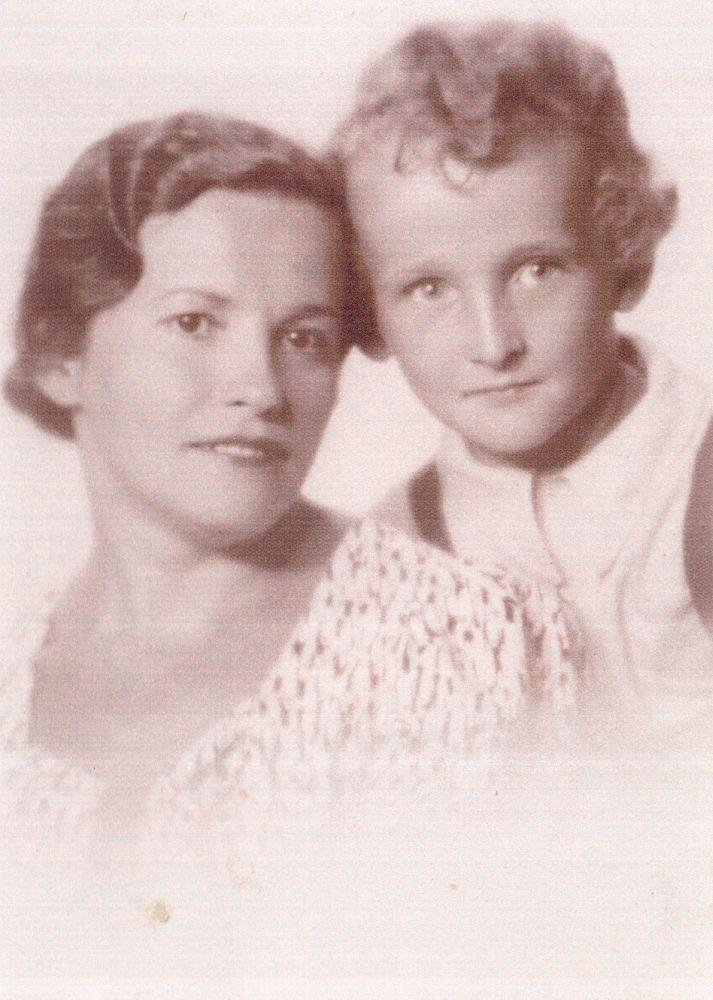 Vytautas su mama.