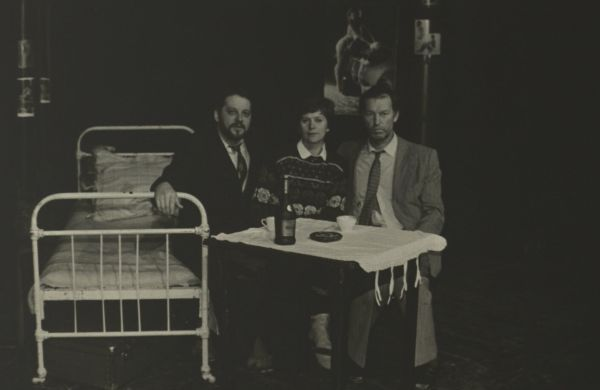 "Su aktoriumi V. Rumšu ir režisiere I. Bučiene, statant spektaklį ""Emigrantai"". 1989 m."