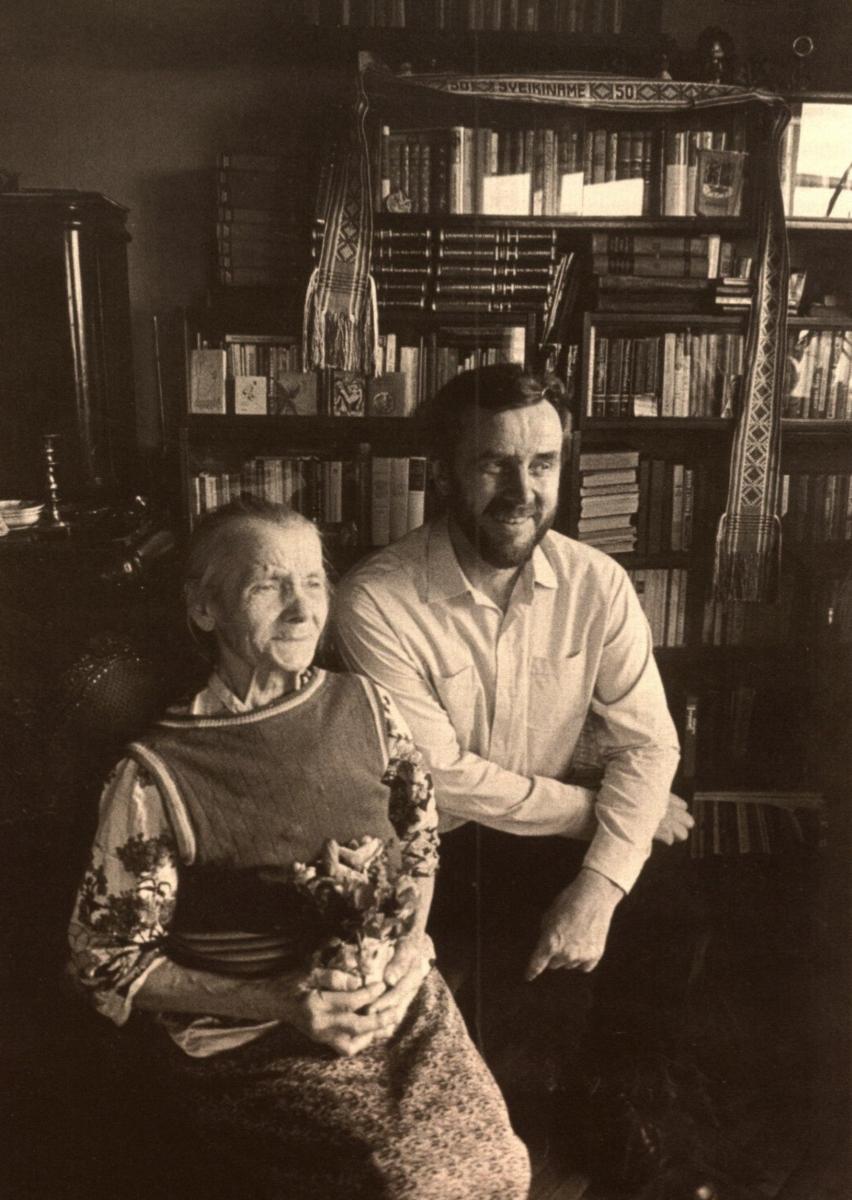 Eugenijus Ignatavičius su mama Antanina Vilniuje