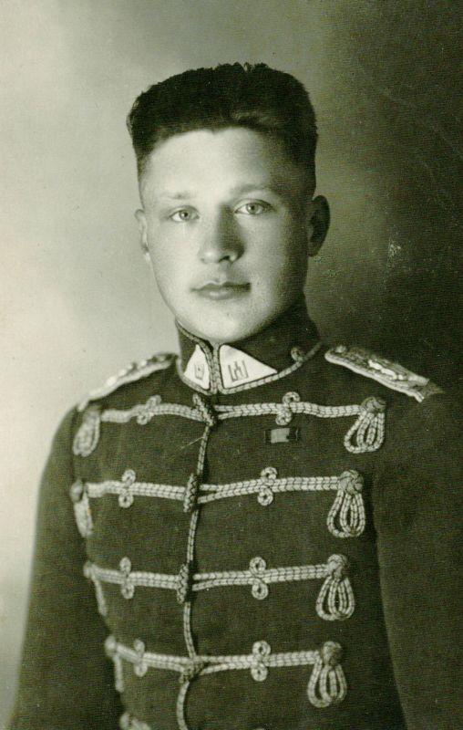 Liudas Dovydėnas Husarų pulke Kaune, 1929 m.
