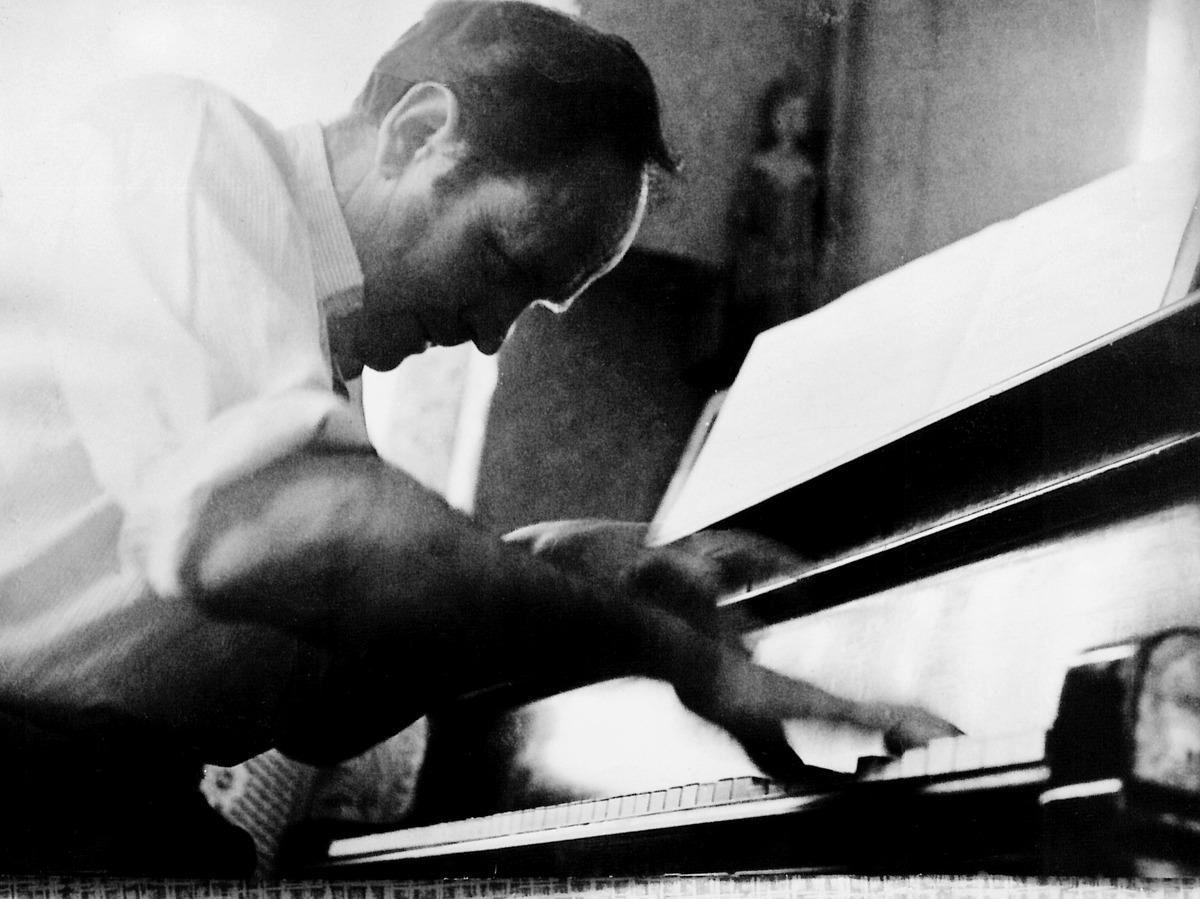 """Julius Juzeliūnas """"Afrikietiškų eskizų"""" kūrimo metu, apie 1960 m."""