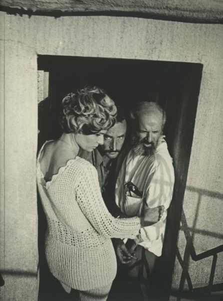 """Kino režisierius V. Žalakevičius su aktoriais D. Firsova ir V. Paukšte """"Tas saldus žodis – laisvė!"""" filmavimo Čilėje metu. 1972 m"""