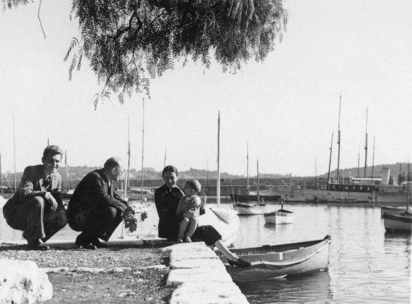 Petras Klimas su Antanu ir Janina Liutkais Villefranche viloje. 1941 m. rugsėjo 19 d., Villefranche (Prancūzija).
