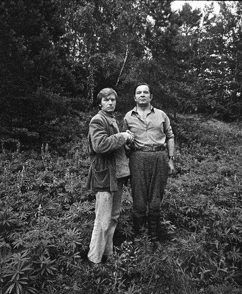 """Su aktoriumi B. Babkausku """"Sadūto Tūto"""" filmavimo metu. 1973 m., Veisiejai."""