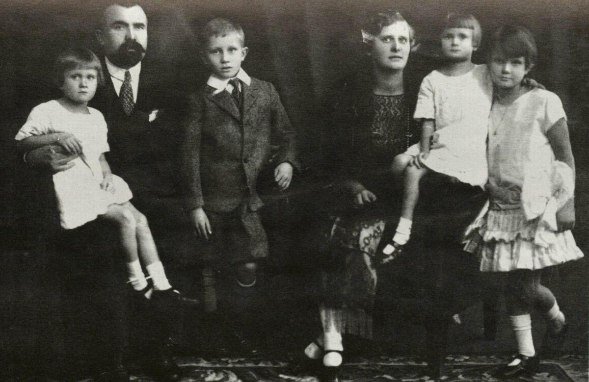 ycas_1927.jpg