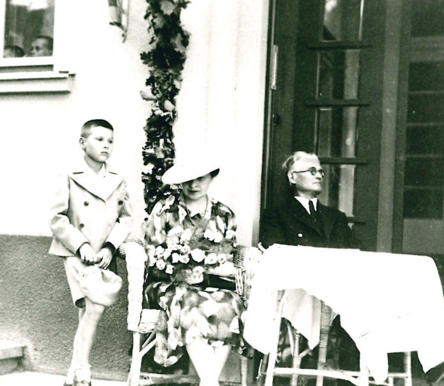 K. Grinius su žmona Gražina ir sūnumi Liūtu. 1938 m.