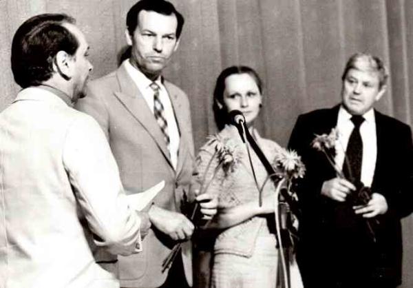 Su aktoriais D. Banioniu ir N. Oželyte Lietuvos kultūros dienų Erfurte (Vokietija) metu. 1982 m.<br />