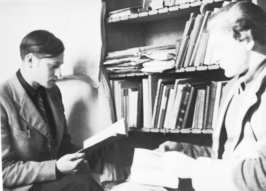 Jonas ir Adolfas Mekai D. P. stovykloje. Apie 1949 m.