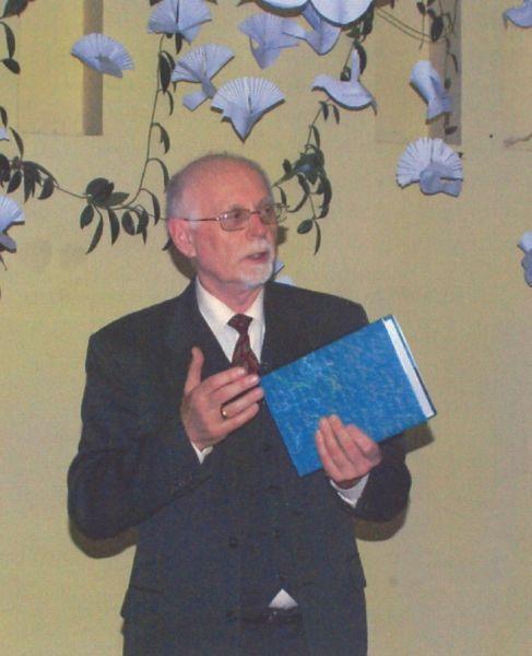 Prof. Antanas Pakerys.