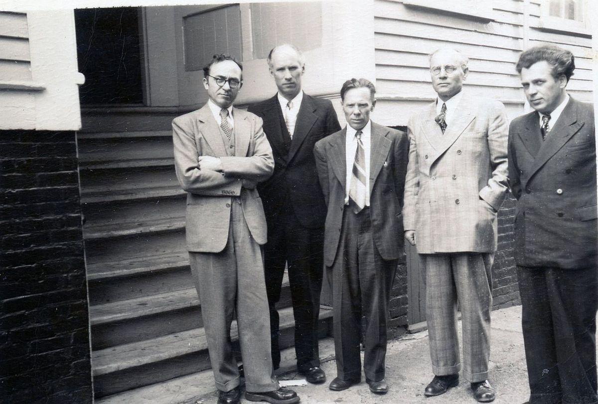 Antrojo LRD valdybos posėdžio dalyviai, 1950 m. gegužės 28 d. Iš kairės į dešinę: B. Brazdžionis, S. Santvaras, J. Aistis, F. Kirša ir A. Gustaitis.