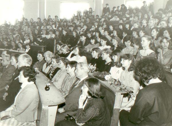 """Prof. K. Nastopkos paskutinės paskaitos ketvirto kurso studentams """"Kritika gyvenime"""" akimirka. 1985 m."""