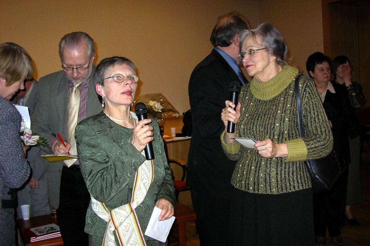 Alma Karosaitė ir Ramutė Skučaitė. 2005