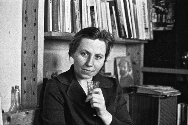 Dailininkė S. Kisarauskienė. Apie 1975 m.