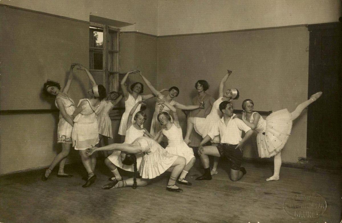 Olgos Dubeneckienės studija 1921-1922 m. <br />