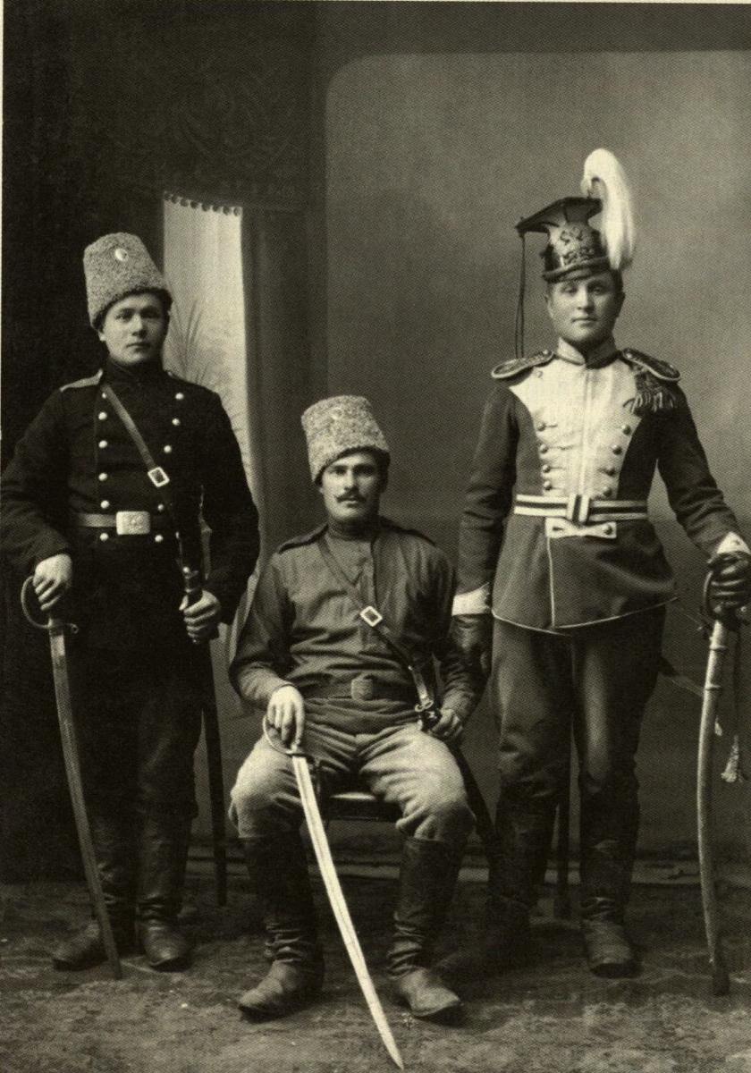 Tėvas Jonas Ignatavičius (dešinėje) carinės Rusijos kariuomenėje. 1912–1914 m.