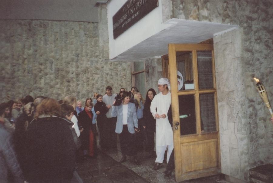 Ataskaita su šv. Petru. Lituanistų dienos. 2002 m.