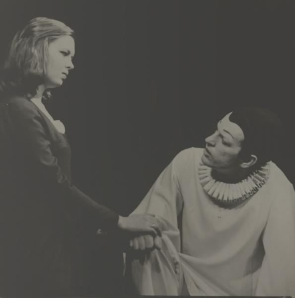 """Scena iš spektaklio """"Cirkas""""."""