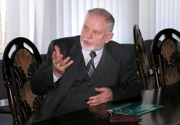 Prof. Petras Bražėnas.