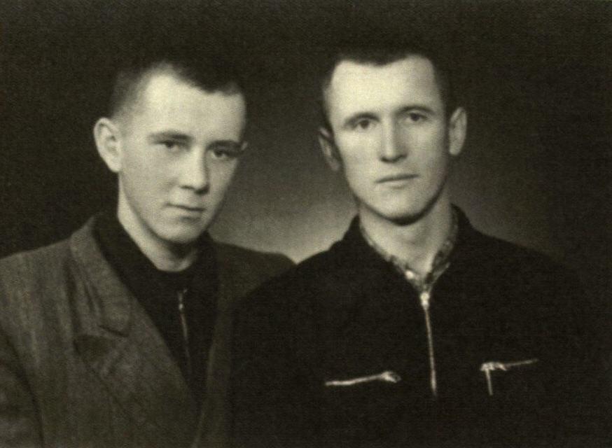 Sugrįžus į Lietuvą: lagerio bičiuliai E. Ignatavičius (kairėje) ir Z. Vaičaitis. 1954 m.<br />