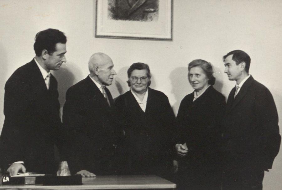 Prof. J. Balčikonio apsilankymas tuomečio Vilniaus pedagoginio instituto Lietuvių kalbos katedroje. 1964 m.