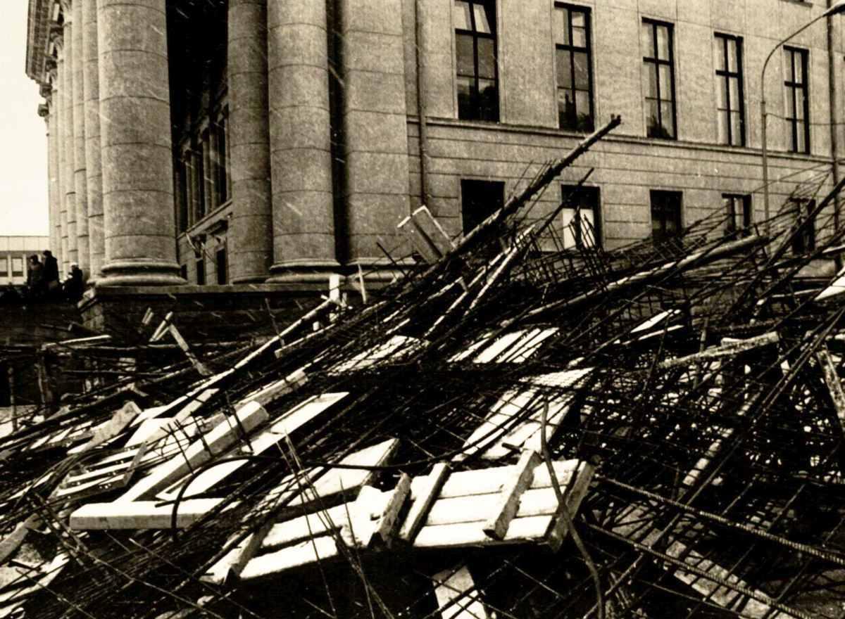 Barikados prie Nacionalinės bibliotekos