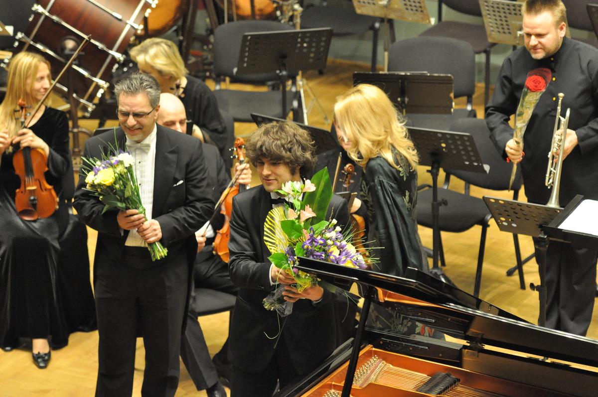 Julius ir Lukas Geniušai. Lietuvos valstybinis simfoninis orkestras. Kauno filharmonija 2011 m.