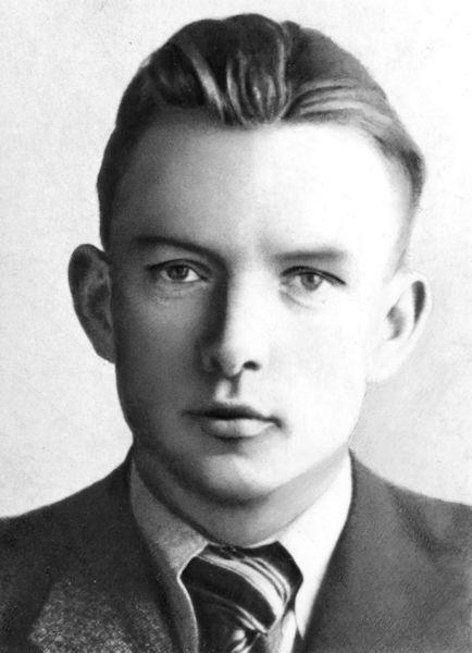 Studentas. Apie 1935 m.