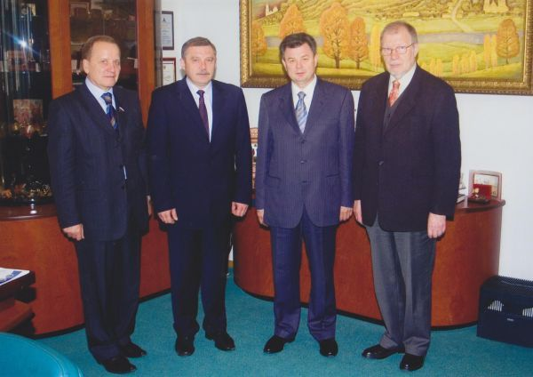 LR kultūros atašė Rusijoje J. Budraitis darbo vizito Kalugos srityje (Rusija) metu. 2005 m.