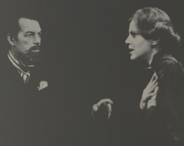 """Scena iš spektaklio """"Junas Gabrielis Borkmanas""""."""