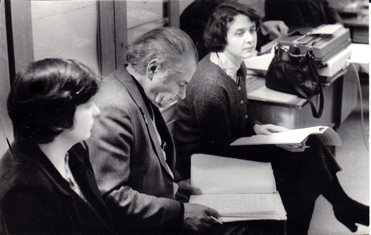 Katedros posėdyje 1982.jpg