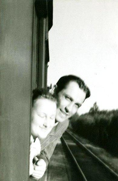 Kelionė į Trakus su būsimu vyru architektu Vaclovu Balčiūnu. Apie 1950 m.