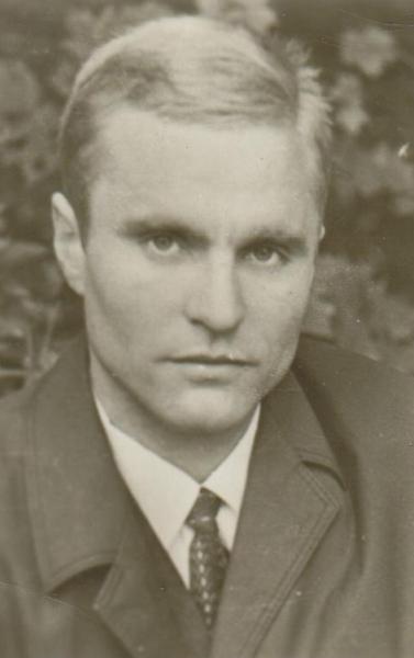 """Bronius Radzevičius. Išėjus jo pirmajam rinkiniui """"Balsai iš tylos"""". 1970 m., Vilnius."""