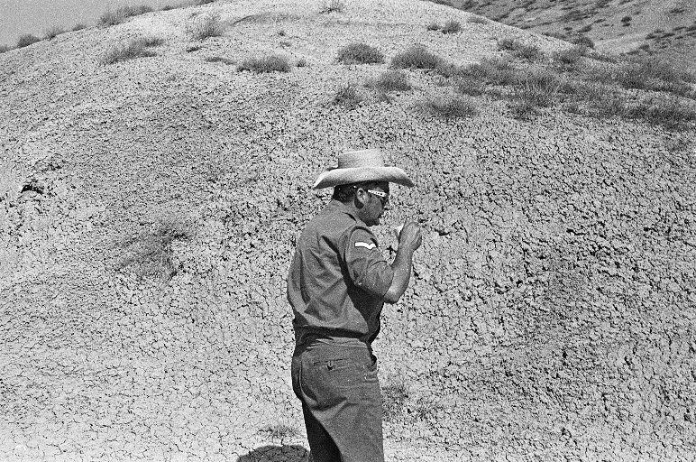 V. Žalakevičius geria kavą. 1972 m., Sumgaitas (Azerbaidžanas).