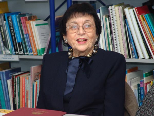 Irena Veisaitė.