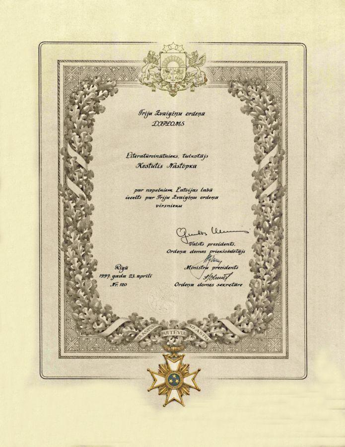 Buvusio LEU LF dėstytojo prof. K. Nastopkos Latvijos Respublikos Trijų žvaigždžių ordino apdovanojimo diplomas. 1997 m. gegužės 27 d.