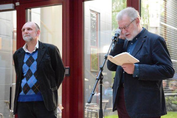 """Su rašytoju A. Marčėnu """"Poezijos pavasario"""" renginio Minske metu. 2015 m."""