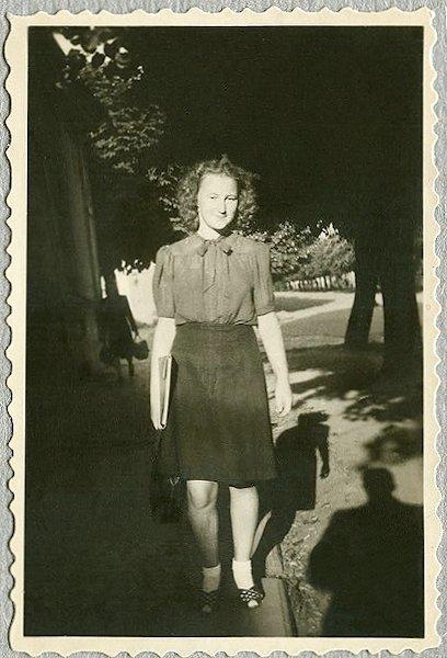 Studentė. 1948. Kaunas
